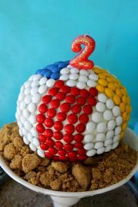 Beach Ball Birthday Bash via Kara's Party Ideas   Kara'sPartyIdeas.com #beach #ball #birthday #bash (4)