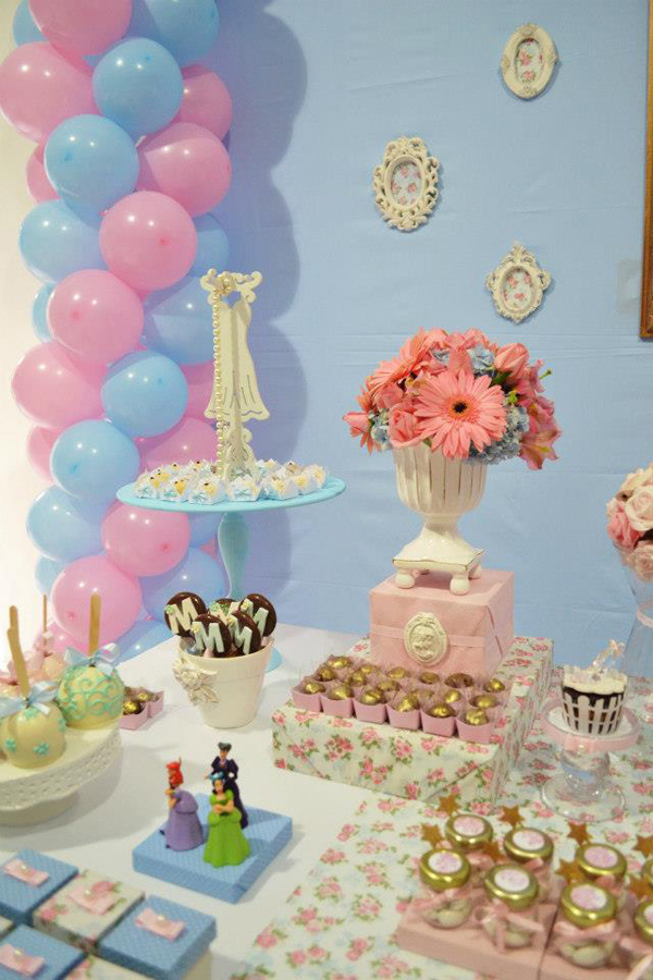 Cinderella Themed Birthday Party via Kara's Party Ideas | Kara'sPartyIdeas.com #cinderella #themed #birthday #party (36)