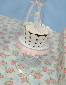 Cinderella Themed Birthday Party via Kara's Party Ideas | Kara'sPartyIdeas.com #cinderella #themed #birthday #party (11)