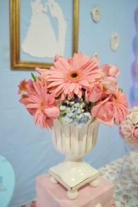 Cinderella Themed Birthday Party via Kara's Party Ideas | Kara'sPartyIdeas.com #cinderella #themed #birthday #party (5)