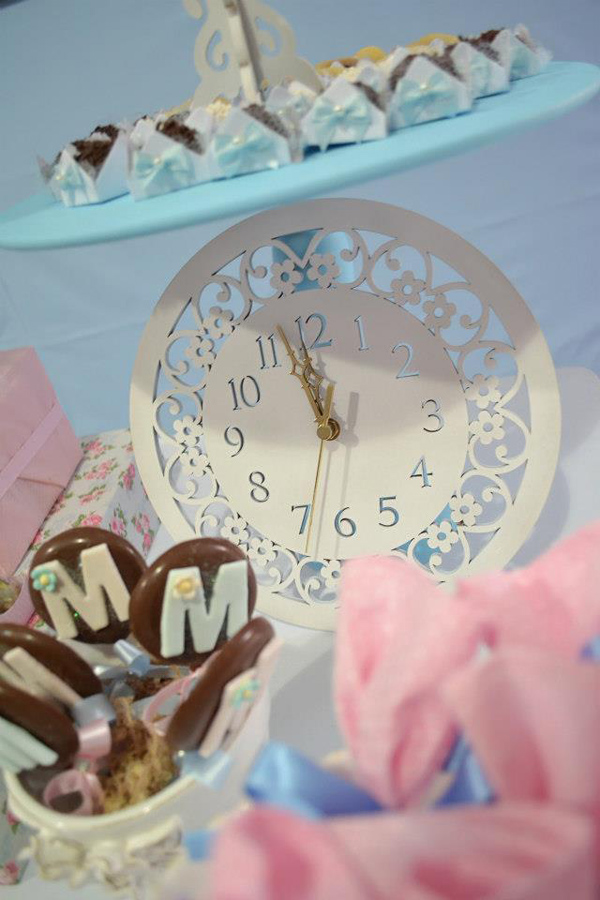 Cinderella Themed Birthday Party via Kara's Party Ideas | Kara'sPartyIdeas.com #cinderella #themed #birthday #party (3)
