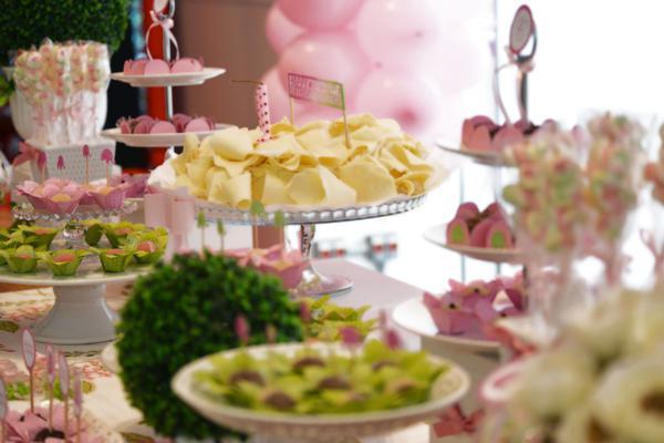 Elephant 1st Birthday Party via Kara's Party Ideas | KarasPartyIdeas.com #elephant #party #baby #shower #ideas (42)