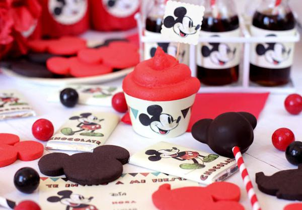 Vintage Mickey Mouse Party via Kara's Party Ideas | KarasPartyIdeas.com #disney #vintage #mickey #mouse #party #ideas (3)