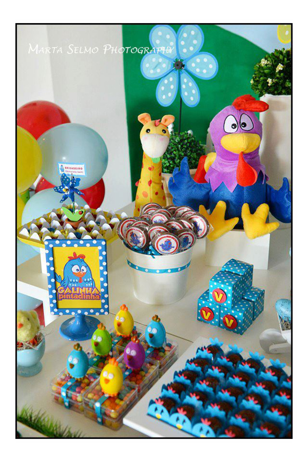 Galinha Pintadinha Birthday Party via Kara's Party Ideas | Kara'sPartyIdeas.com #galinha #pintadinha #birthday #party (9)