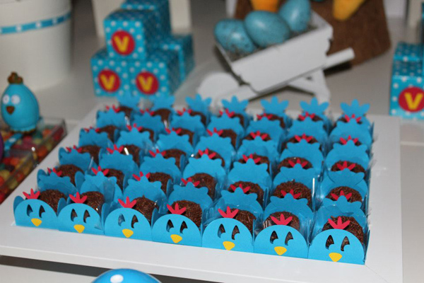 Galinha Pintadinha Birthday Party via Kara's Party Ideas | Kara'sPartyIdeas.com #galinha #pintadinha #birthday #party (8)