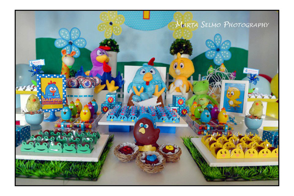 Galinha Pintadinha Birthday Party via Kara's Party Ideas | Kara'sPartyIdeas.com #galinha #pintadinha #birthday #party (3)