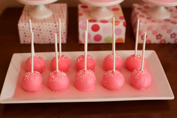 Hats Off To Mom Mother's Day Party via Kara's Party Ideas | Kara'sPartyIdeas.com #mothers #day #party #mom #holiday (16)