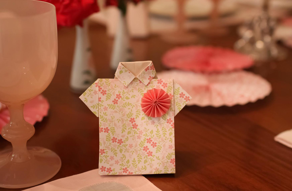 Hats Off To Mom Mother's Day Party via Kara's Party Ideas | Kara'sPartyIdeas.com #mothers #day #party #mom #holiday (24)
