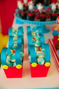 Circus Birthday Party via Kara's Party Ideas | KarasPartyIdeas.com #circus #carnival #birthday #party #ideas (3)