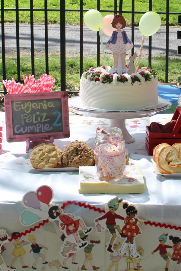 Vintage Birthday Parade Party via Kara's Party Ideas | KarasPartyIdeas.com #vintage #birthday #parade #party #ideas (11)