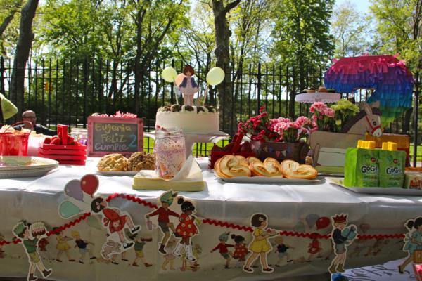 Vintage Birthday Parade Party via Kara's Party Ideas | KarasPartyIdeas.com #vintage #birthday #parade #party #ideas (8)