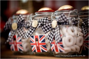 London Birthday Party via Kara's Party Ideas | Kara'sPartyIdeas.com #london #birthday #party (9)
