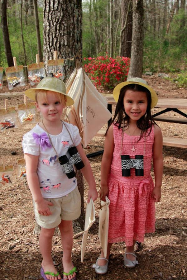 Girly Safari Party via Kara's Party Ideas | KarasPartyIdeas.com #safari #jungle #birthday #party #ideas (20)