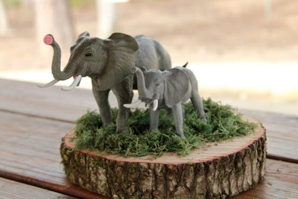 Girly Safari Party via Kara's Party Ideas | KarasPartyIdeas.com #safari #jungle #birthday #party #ideas (14)