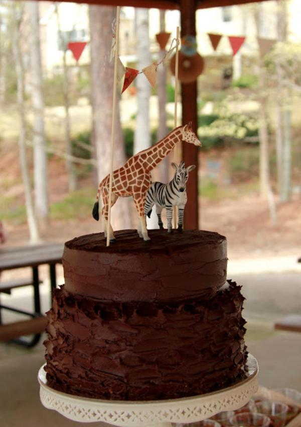 Girly Safari Party via Kara's Party Ideas | KarasPartyIdeas.com #safari #jungle #birthday #party #ideas (13)
