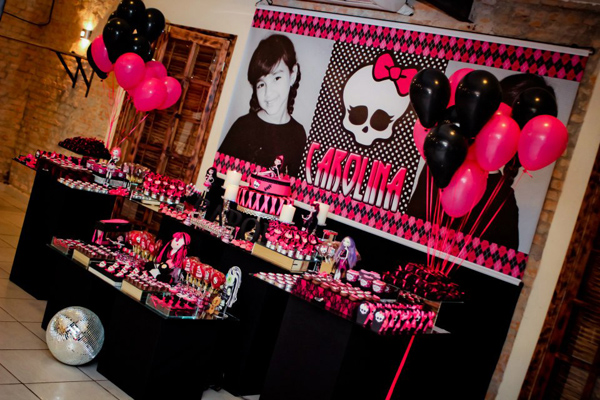Monster High 8th Birthday Party via Kara's Party Ideas | Kara'sPartyIdeas.com #monster #high #birthday #party (41)