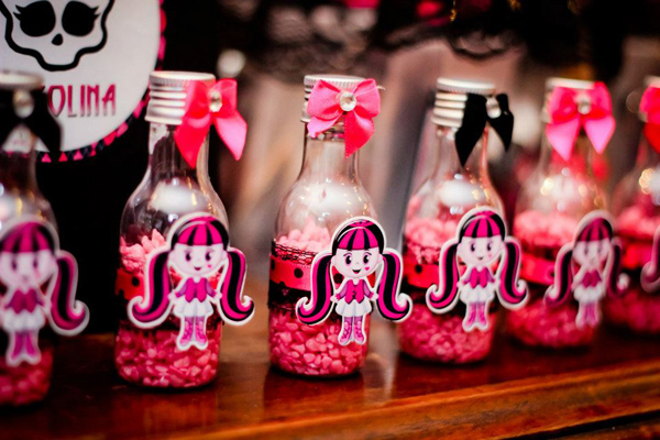 Monster High 8th Birthday Party via Kara's Party Ideas | Kara'sPartyIdeas.com #monster #high #birthday #party (38)