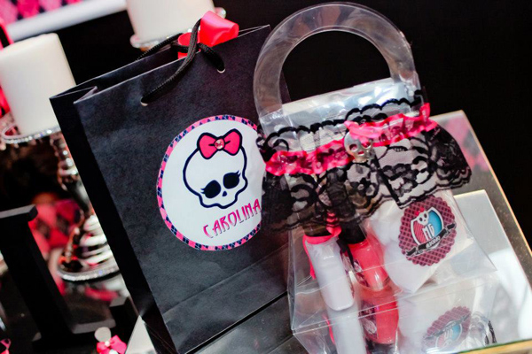 Monster High 8th Birthday Party via Kara's Party Ideas | Kara'sPartyIdeas.com #monster #high #birthday #party (34)