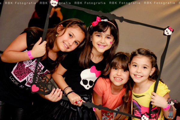 Monster High 8th Birthday Party via Kara's Party Ideas | Kara'sPartyIdeas.com #monster #high #birthday #party (14)