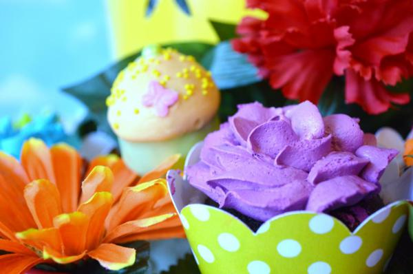 Cupcake in Bloom Spring Dessert Party via Kara's Party Ideas | KarasPartyIdeas.com #cupcake #bloom #spring #dessert #table #party #ideas (4)