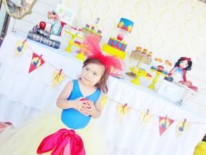 Snow White Birthday Party #snow #white #birthday #party #ideas (26)