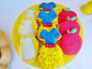 Snow White Birthday Party #snow #white #birthday #party #ideas (19)
