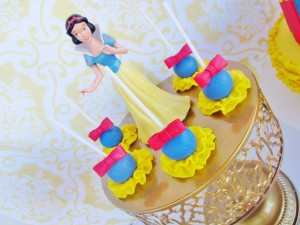Snow White Birthday Party #snow #white #birthday #party #ideas (11)