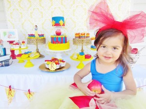 Snow White Birthday Party #snow #white #birthday #party #ideas (6)