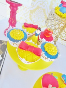 Snow White Birthday Party #snow #white #birthday #party #ideas (4)