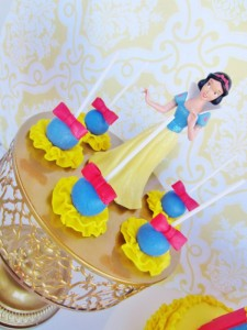 Snow White Birthday Party #snow #white #birthday #party #ideas (31)