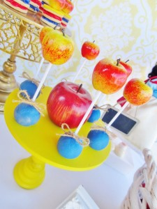 Snow White Birthday Party #snow #white #birthday #party #ideas (29)
