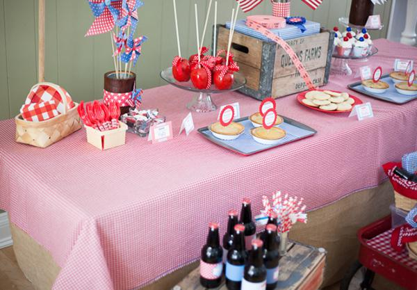 County Fair Patriotic Picnic Party via Kara's Party Ideas | KarasPartyIdeas.com #county #fair #vintage #patriotic #picnic #july #fourth #4th #independence #memorial #day #party #ideas (13)