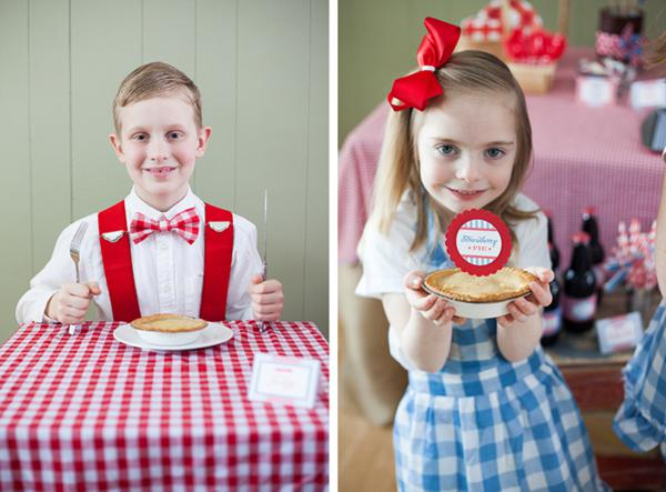 County Fair Patriotic Picnic Party via Kara's Party Ideas | KarasPartyIdeas.com #county #fair #vintage #patriotic #picnic #july #fourth #4th #independence #memorial #day #party #ideas (9)