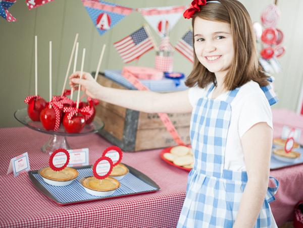County Fair Patriotic Picnic Party via Kara's Party Ideas | KarasPartyIdeas.com #county #fair #vintage #patriotic #picnic #july #fourth #4th #independence #memorial #day #party #ideas (25)