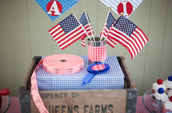 County Fair Patriotic Picnic Party via Kara's Party Ideas | KarasPartyIdeas.com #county #fair #vintage #patriotic #picnic #july #fourth #4th #independence #memorial #day #party #ideas (4)