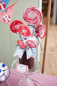 County Fair Patriotic Picnic Party via Kara's Party Ideas | KarasPartyIdeas.com #county #fair #vintage #patriotic #picnic #july #fourth #4th #independence #memorial #day #party #ideas (2)