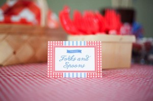 County Fair Patriotic Picnic Party via Kara's Party Ideas | KarasPartyIdeas.com #county #fair #vintage #patriotic #picnic #july #fourth #4th #independence #memorial #day #party #ideas (20)