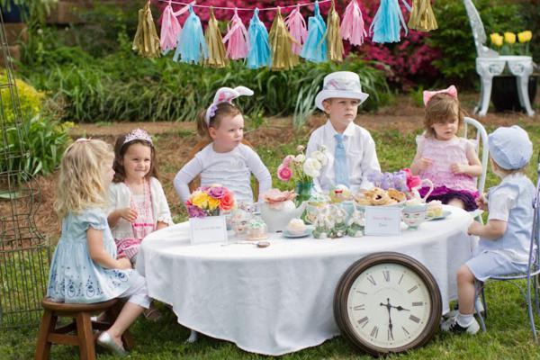 Alice in Wonderland Tea Party via Kara's Party Ideas | KarasPartyIdeas.com #alice #wonderland #tea #party #ideas (34)