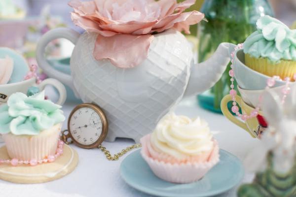 Alice in Wonderland Tea Party via Kara's Party Ideas | KarasPartyIdeas.com #alice #wonderland #tea #party #ideas (28)