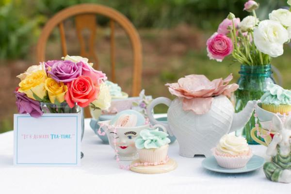 Alice in Wonderland Tea Party via Kara's Party Ideas | KarasPartyIdeas.com #alice #wonderland #tea #party #ideas (52)