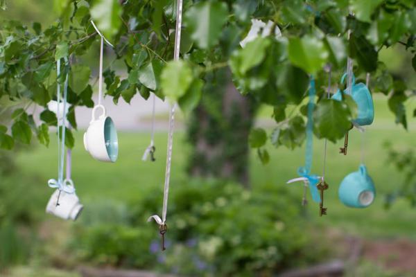 Alice in Wonderland Tea Party via Kara's Party Ideas | KarasPartyIdeas.com #alice #wonderland #tea #party #ideas (12)