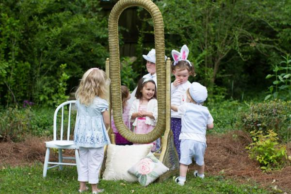 Alice in Wonderland Tea Party via Kara's Party Ideas | KarasPartyIdeas.com #alice #wonderland #tea #party #ideas (1)