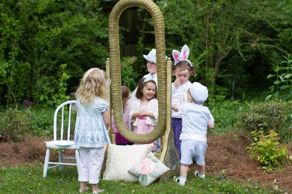 Alice in Wonderland Tea Party via Kara's Party Ideas | KarasPartyIdeas.com #alice #wonderland #tea #party #ideas (1)