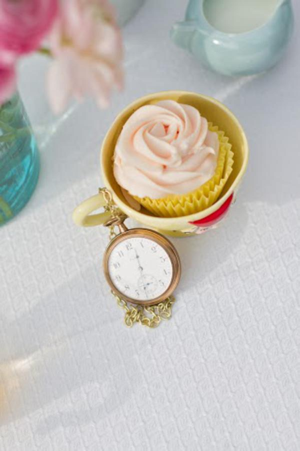 Alice in Wonderland Tea Party via Kara's Party Ideas | KarasPartyIdeas.com #alice #wonderland #tea #party #ideas (49)
