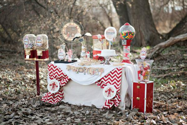 Vintage Circus / Carnival Party via Kara's Party Ideas | KarasPartyIdeas.com #vintage #carnival #circus #girl #boy #party #ideas #supplies (3)