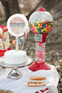 Vintage Circus / Carnival Party via Kara's Party Ideas | KarasPartyIdeas.com #vintage #carnival #circus #girl #boy #party #ideas #supplies (15)