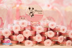 Vintage Minnie Mouse Party via Kara's Party Ideas | KarasPartyIdeas.com #vintage #minnie #mouse #girl #party #ideas (30)