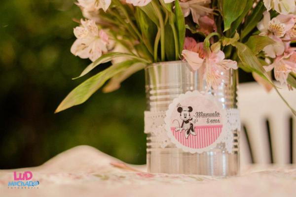 Vintage Minnie Mouse Party via Kara's Party Ideas | KarasPartyIdeas.com #vintage #minnie #mouse #girl #party #ideas (26)
