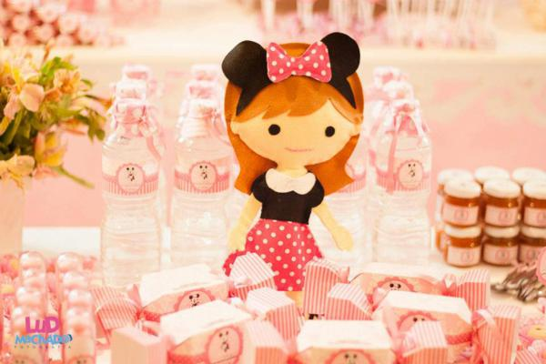 Vintage Minnie Mouse Party via Kara's Party Ideas | KarasPartyIdeas.com #vintage #minnie #mouse #girl #party #ideas (20)