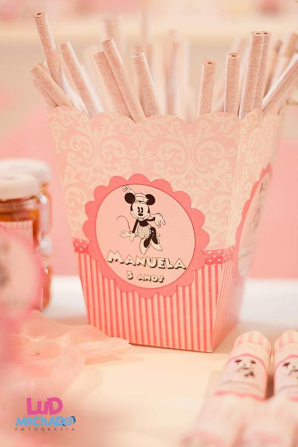 Vintage Minnie Mouse Party via Kara's Party Ideas | KarasPartyIdeas.com #vintage #minnie #mouse #girl #party #ideas (19)